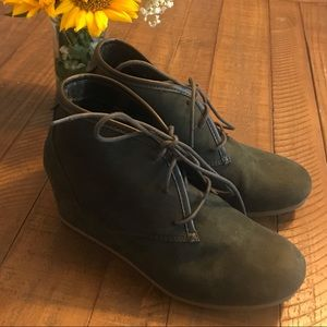 Mad Love Army Green Wedge Suede Bootie Size 9